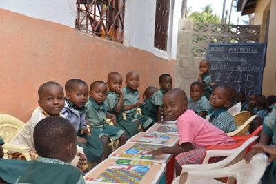 坦桑尼亞的義教工作