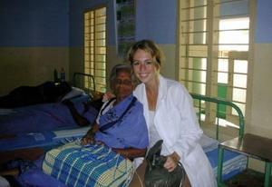 亞洲醫學志工與診所的病人