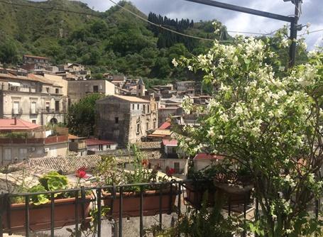 Projects Abroad在意大利雷焦卡拉布里亞城鎮跟紅十字會合作,開展難民援助項目。