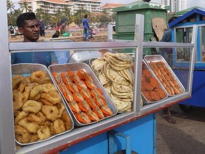 在哥林堡市集販售的斯里蘭卡在地食物