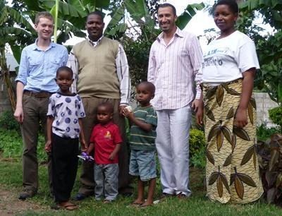 Projects Abroad志工與坦桑尼亞的寄宿家庭