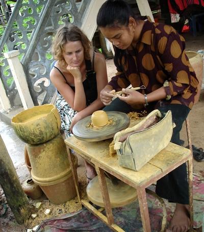 志工參與文化及社區項目觀摩東南亞的陶瓷文化技術