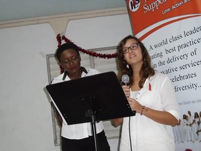一名Projects Abroad的牙買加志工,在「世界愛滋病日」就HIV/愛滋病的話題發言