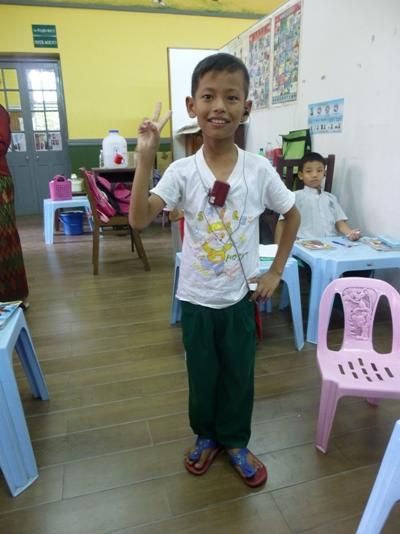緬甸兒童身處Projects Abroad在當地關愛機構合作夥伴開辦的學校裡