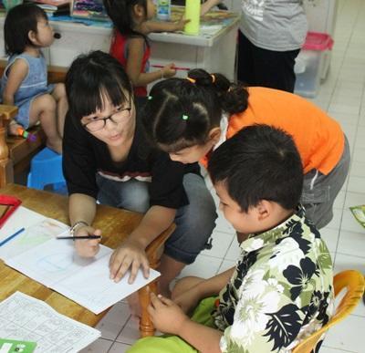Projects Abroad志工在泰國的關愛單位幫助孩子們