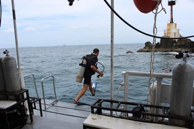 泰國環保項目志工參與潛水活動