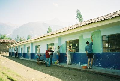 志工在厄瓜多爾進行社區服務