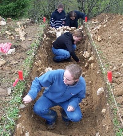 高中生在羅馬尼亞發掘古代文物