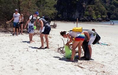 Projects Abroad泰國環保及社區關愛志願者參與海灘清潔