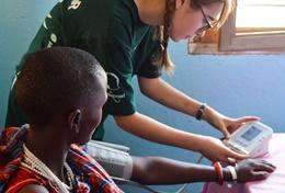 Volunteer 醫療及保健志工營