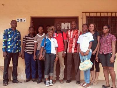 Projects Abroad 實習生和多哥員工在國際發展項目單位的工作情況