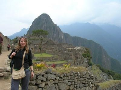 Volunteer learning Quechua travels to Machu Picchu in Peru