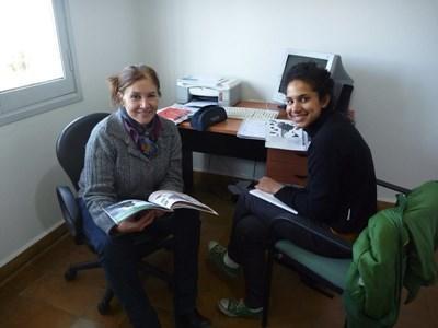 志工參與Projects Abroad西班牙語課程與導師上課