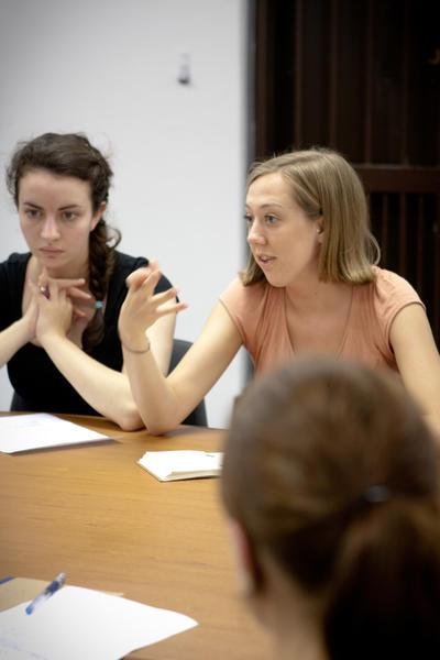 人權志工進行重要的研究工作,為南非社群和當地居民提供一些法律意見