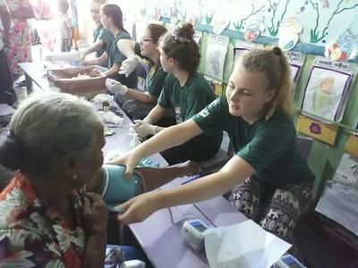 斯里蘭卡的醫療外展工作