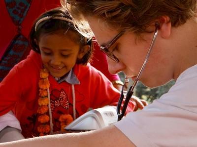 Projects Abroad醫學實習生參與尼泊爾的醫療外展工作