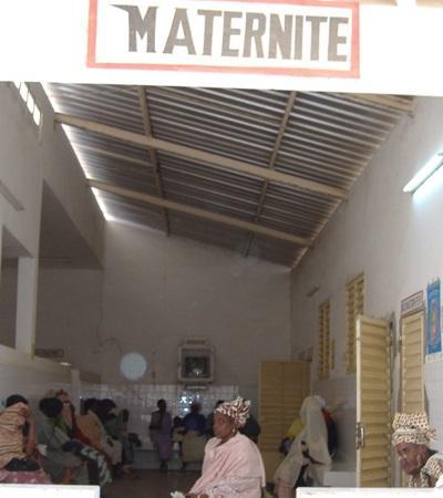 塞內加爾志工在其中一個醫院產科實習