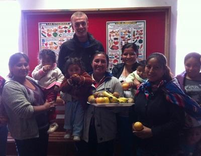 志工在秘魯的關愛中心推行營養教育
