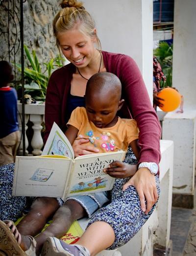 坦桑尼亞兒童參與由Projects Abroad志工準備的治療課堂
