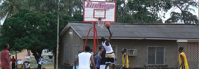 Projects Abroad志工在海外進行的籃球指導訓練