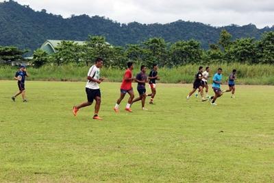 在薩摩亞橄欖球項目單位工作的志工