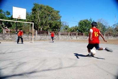 哥斯達黎加在志工教練指導訓練下入球得分
