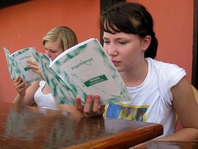 Projects Abroad的加納志工閱讀迎新指南,了解在加納生活的須知